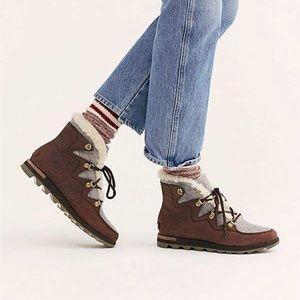 NEW Sorel Harlow boots burgundy 6